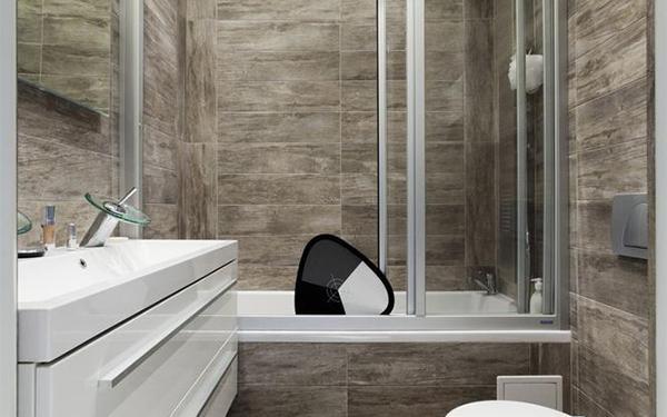 Mała łazienka: Jak ją urządzić? Projekty i porady architekta